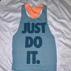 Women's Nike athletic reversible tank top Small